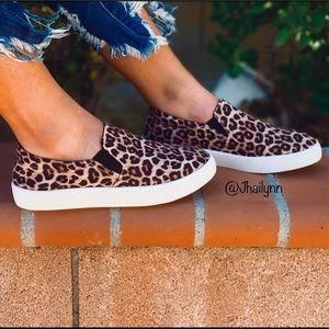 Leopard slip on sneakers 🤩 HP